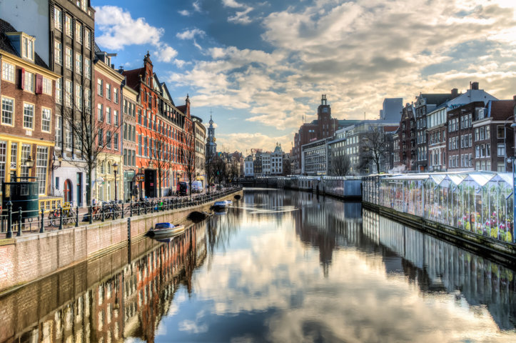 photo-1-amsterdam_-_the_canal_ring_8652262148-fileminimizer