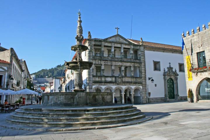 photo-1-chafariz_e_misericordia_de_viana_do_castelo-fileminimizer