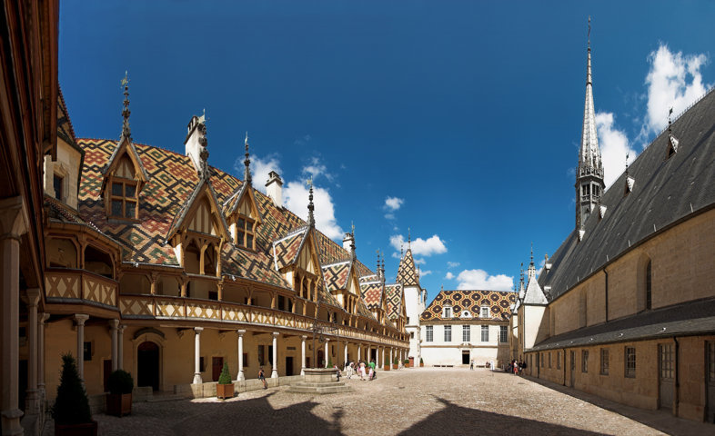 photo-1-hostel_dieu_beaune-fileminimizer