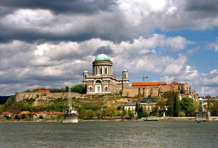 photo-1-hungary-esztergom-bazilika-1999-hires-fileminimizer