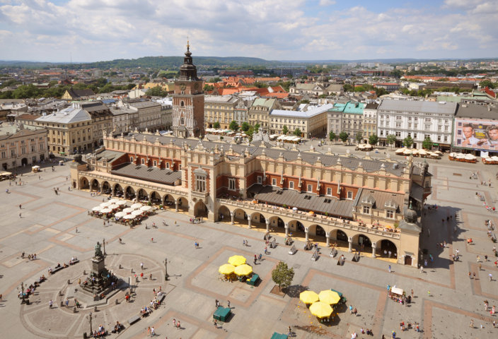 photo-1-sukiennice_and_main_market_square_krakow_poland-fileminimizer