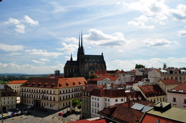 photo-1-brno_-_cathedral_of_saints_peter_and_paul-fileminimizer