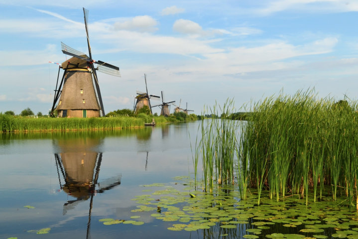 photo-2-the_windmills_of_kinderdijk-fileminimizer