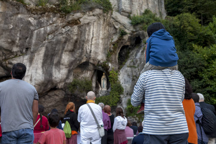 photo-3-grotto-of-the-apparitions-grotte-2014-p-vincent-www-lourdes-photo-fileminimizer