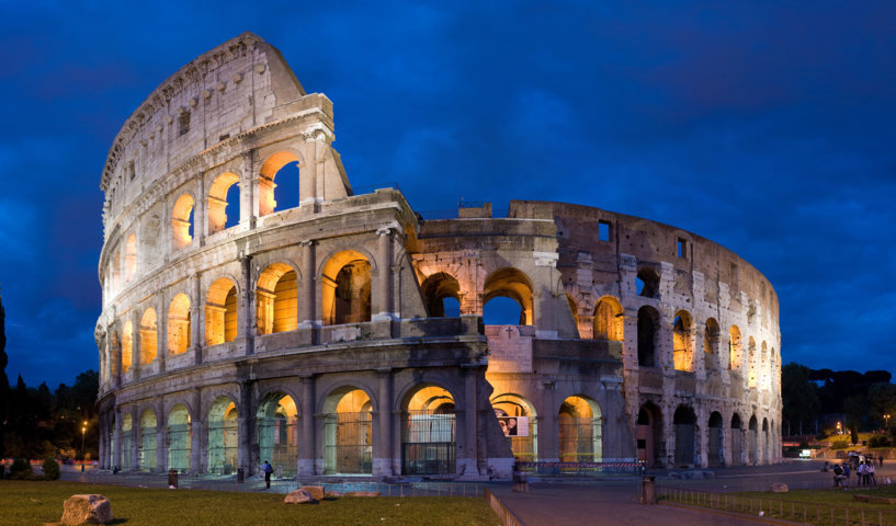 photo-3-colosseum_in_rome_italy_-_april_2007-fileminimizer