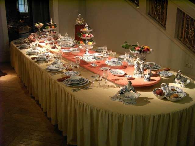 photo-3-meissen-porcelain-table-fileminimizer