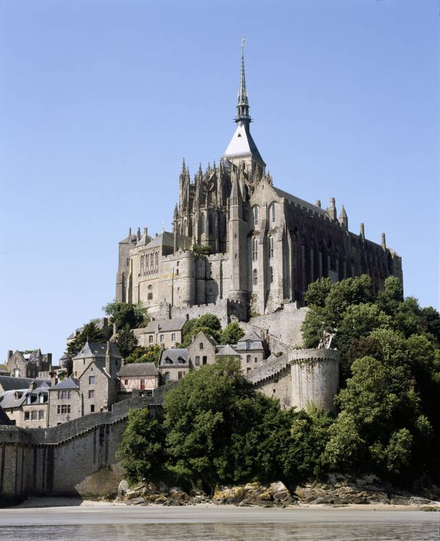 photo-1-le-mont-st-michel-media_fichier_fr_phbd05-0415-fileminimizer