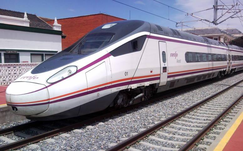 P3.Serie_114_de_Renfe_en_Valladolid-Campo_Grande (FILEminimizer)